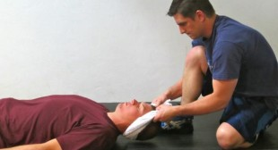 3 Simple Ways to Heal a Stiff, Sore, or Injured Neck – BreakingMuscle.com