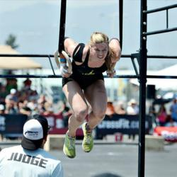 CrossFit Games SOCAL Regionals Winner, Lindsey Valenzuela Preps for Games Big Win with SEAL Inspired Training