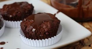 PaleOMG – Paleo Recipes – Cracked Brownie Batter Muffins